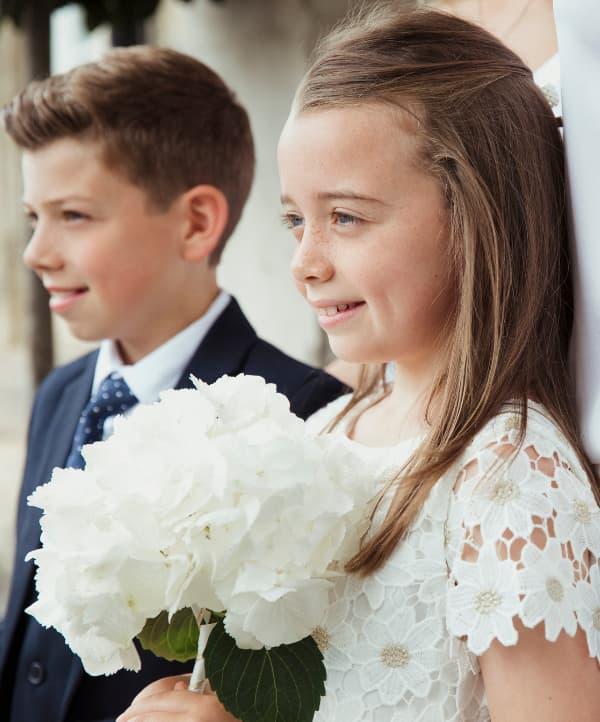 niños del cortejo de boda